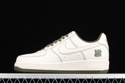 UNDEFEATED x Nike Air Force 1 Low White Army Green